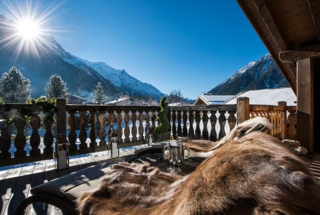 luxury-chalet-chamonix-terrace-mountain-view
