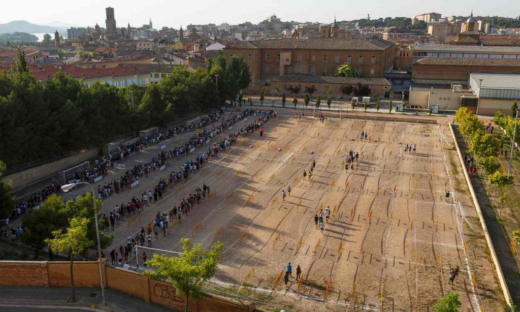 Casting for Games of Thrones season six in Tudela. Photograph - Alamy